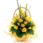 This basket consists 15 yellow roses,